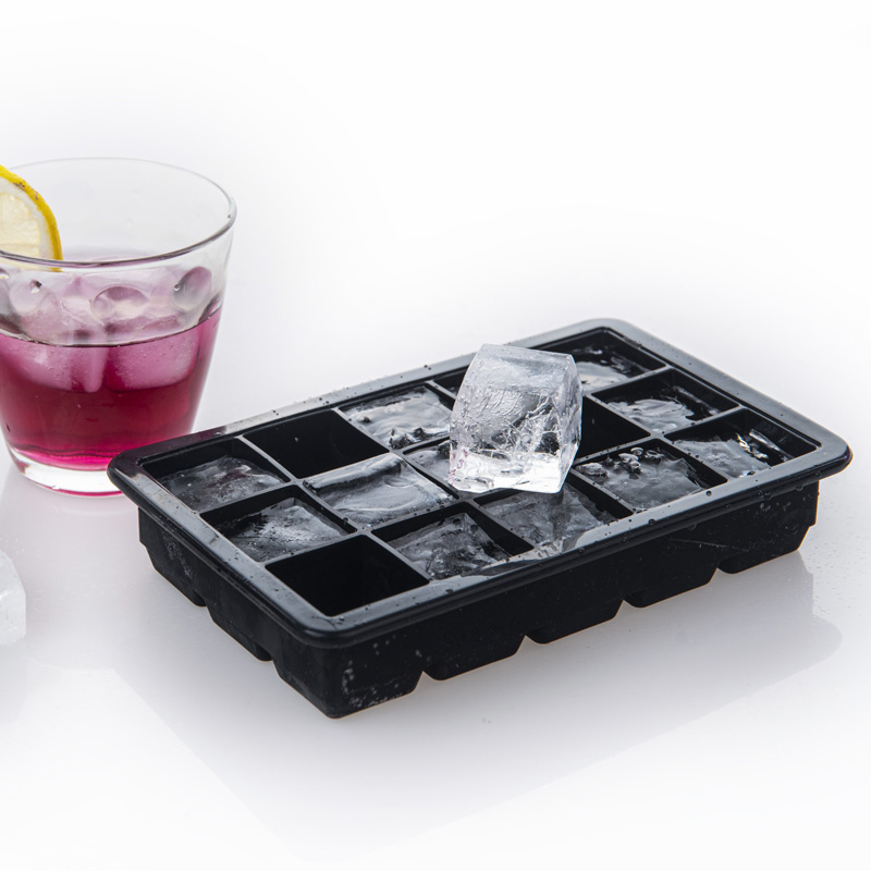 Upgrade Design Classic 15 Holes Silicone Ice Cube Trays with Lids